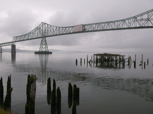 Gray day on the Columbia